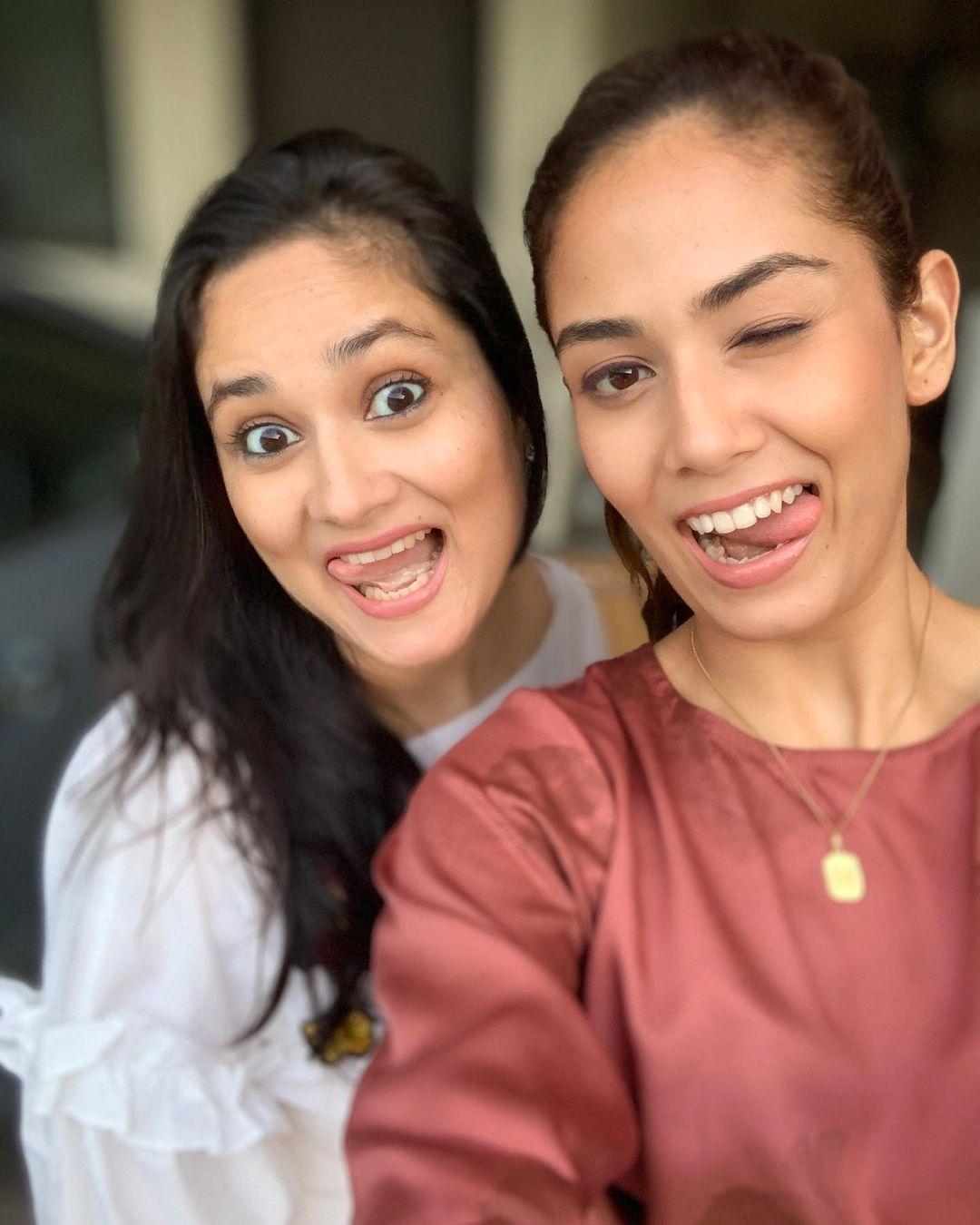 Mira Rajput With Her Sister Priya Tulshan