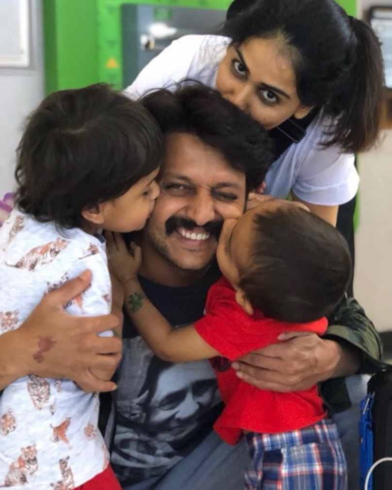 Genelia And Riteish Deshmukh With Children