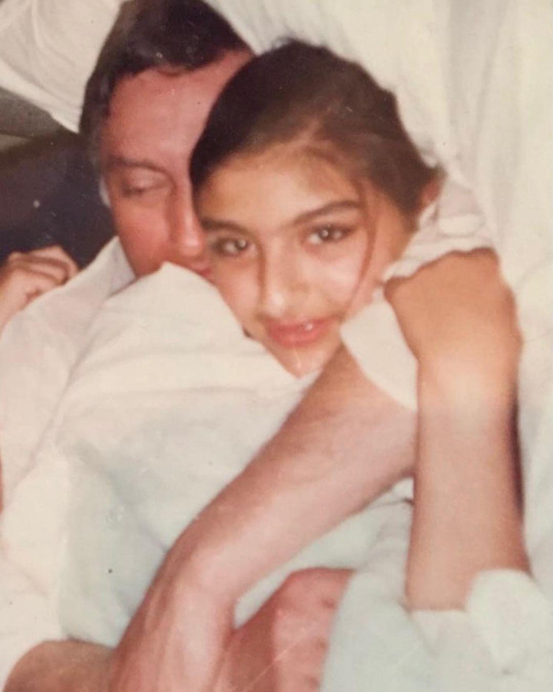 soha ali khan with father