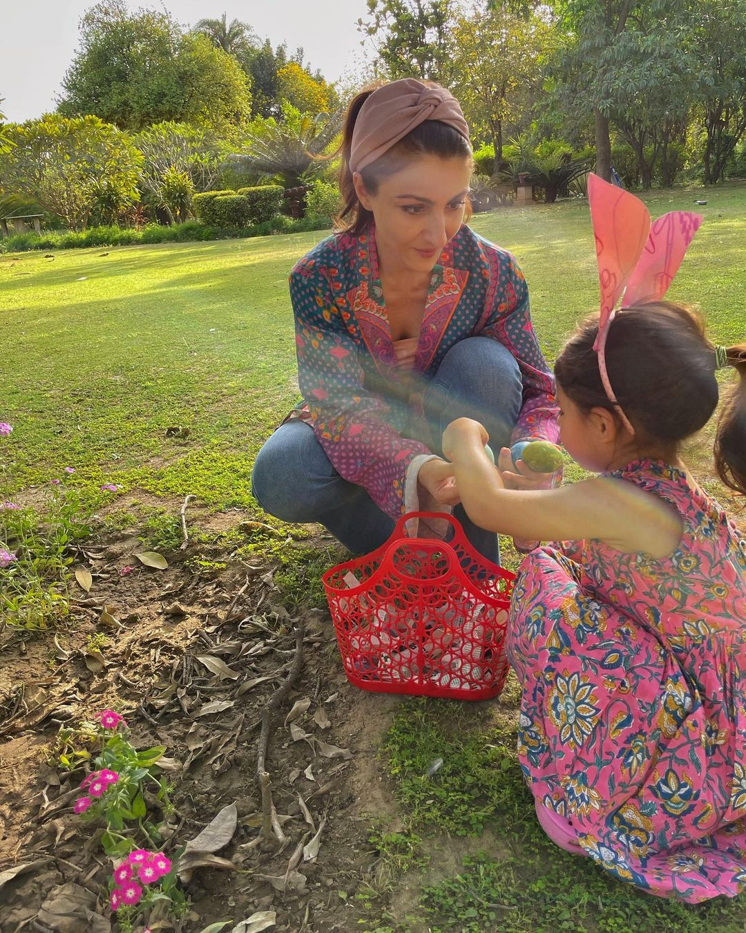 Soha Ali Khan With Her Daughter Inaaya