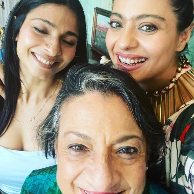 kajol with mother and sister