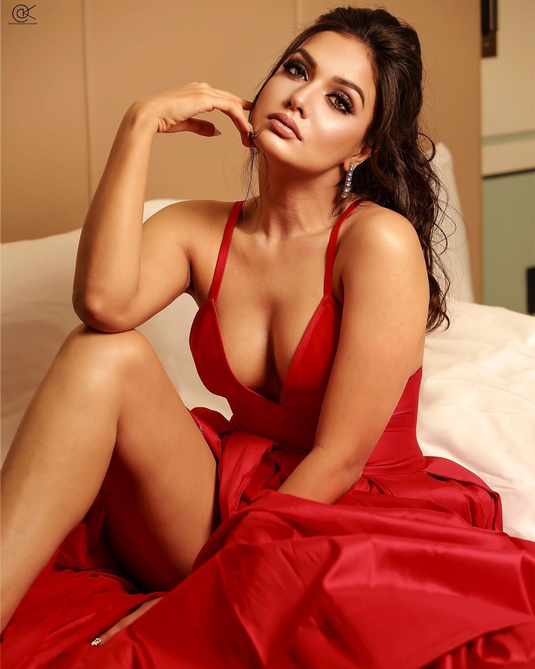 Divya Agarwal Relationship With Her Ex Priyank Sharma | दिव्या अग्रवाल की EX-BF प्रियांक से दोस्ती