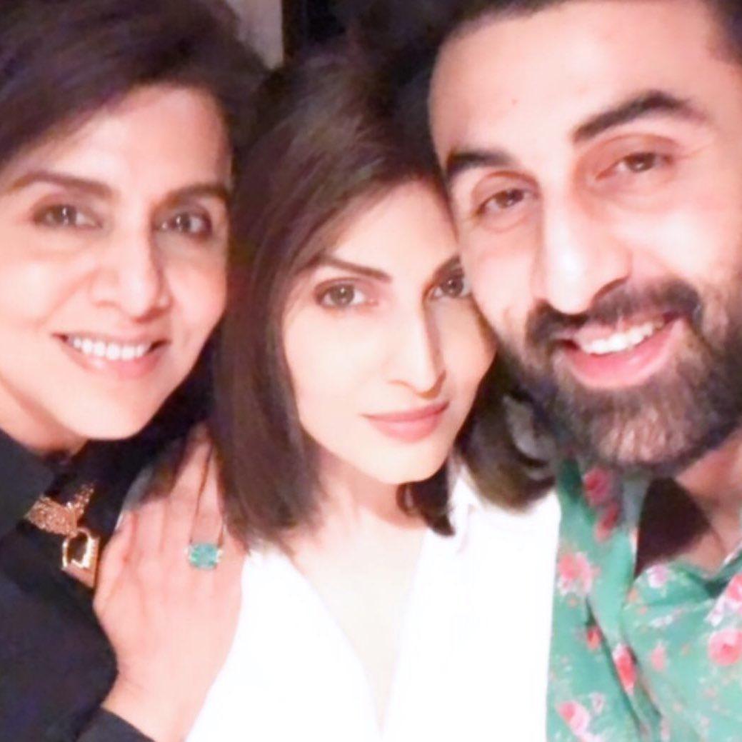 Neetu Kapoor With Her Daughter Ranbir And Riddhima