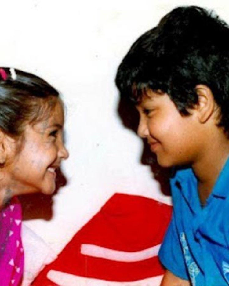 Anushka Sharma With Brother Karnesh