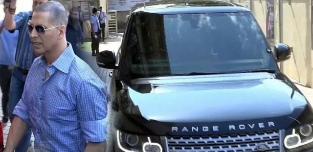 Akshay Kumar's Range Rover Vogue