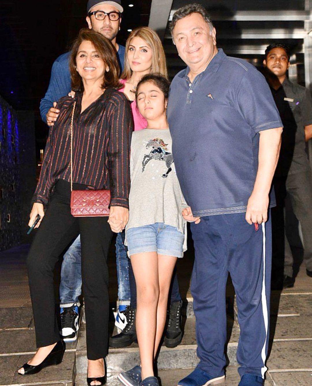 Ranbir With Riddhima, Neetu, Rishi And Samara
