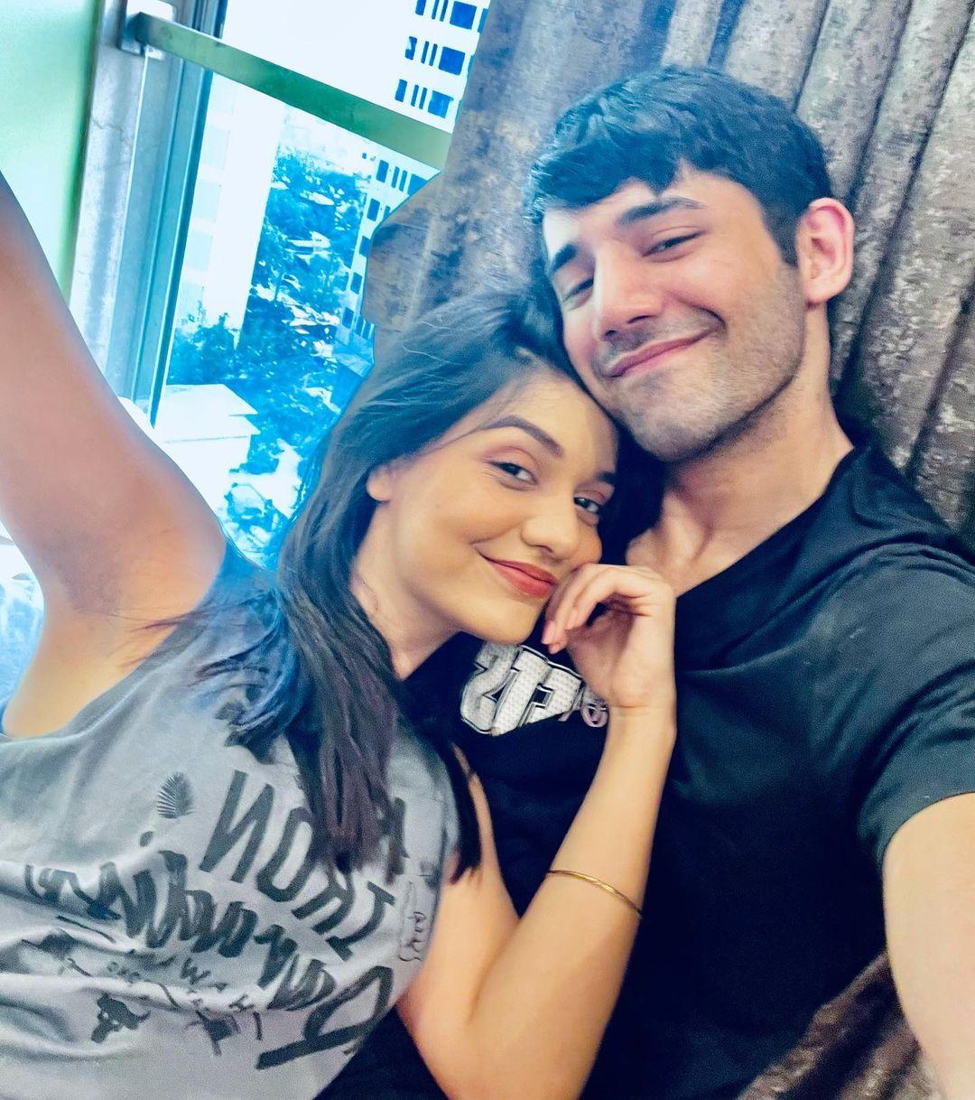Divya Agarwal With Her BF Varun Sood