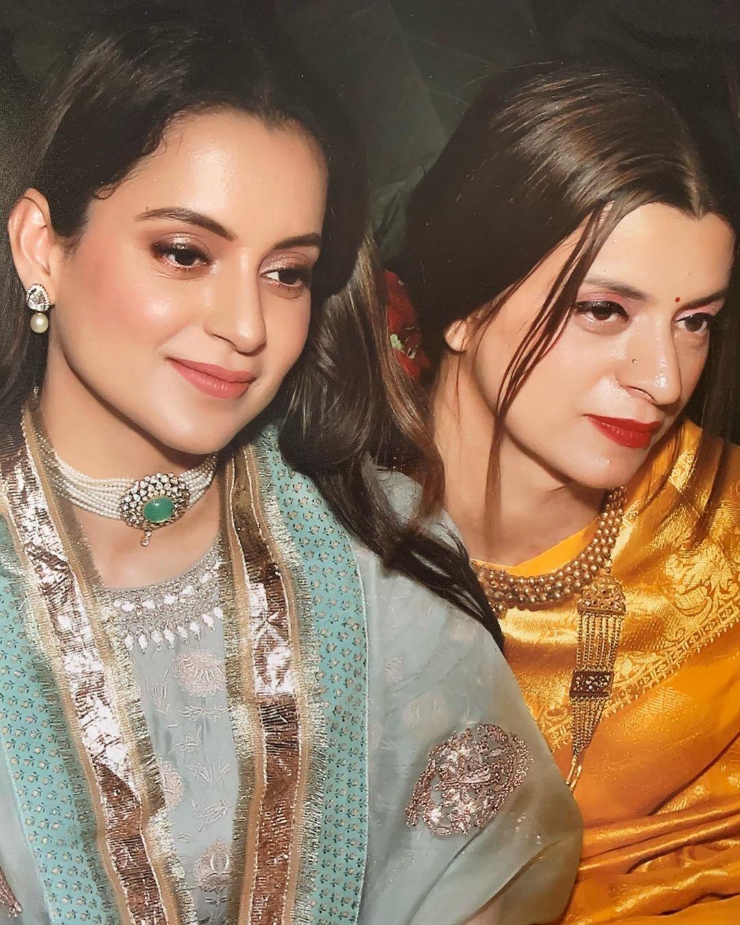 Kangana Ranaut With Her Sister Rangoli Chandel