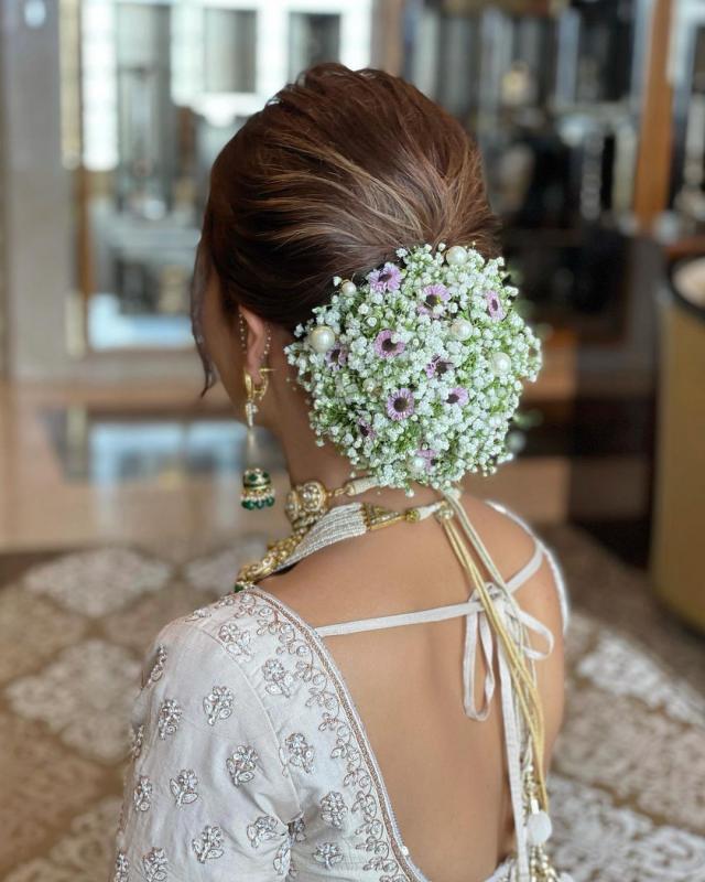 The Bride's Hair Bun Style