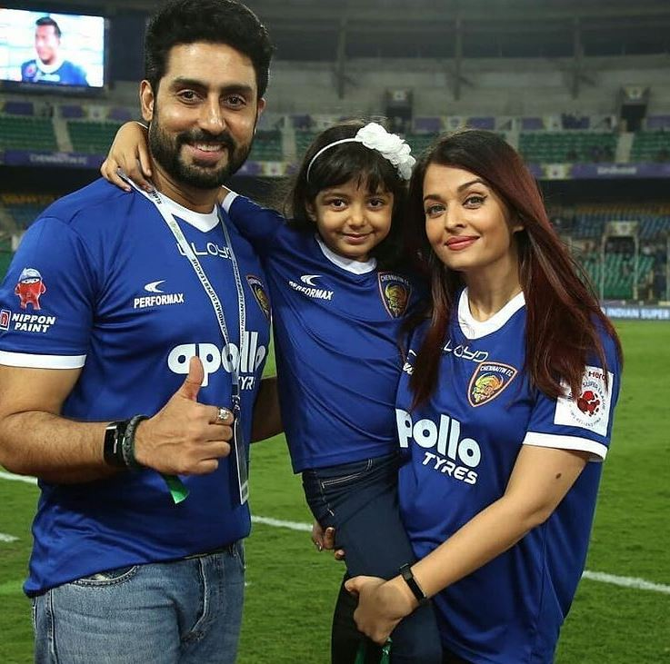 Abhishek Bachchan With Wife Aish And Daughter