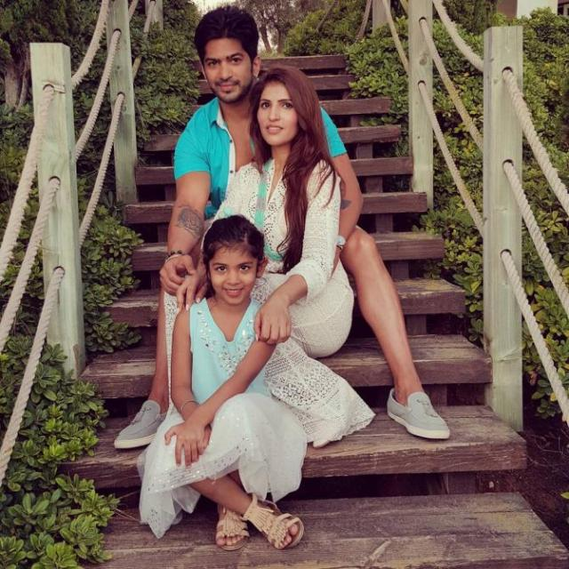 Amit Tandon With His Wife Ruby And Daughter