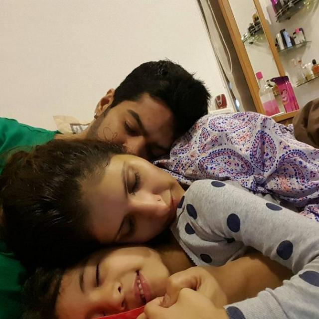 Amit Tandon With Wife And Daughter