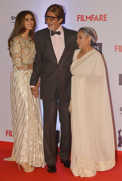 amitabh bachchan with wife and daughter