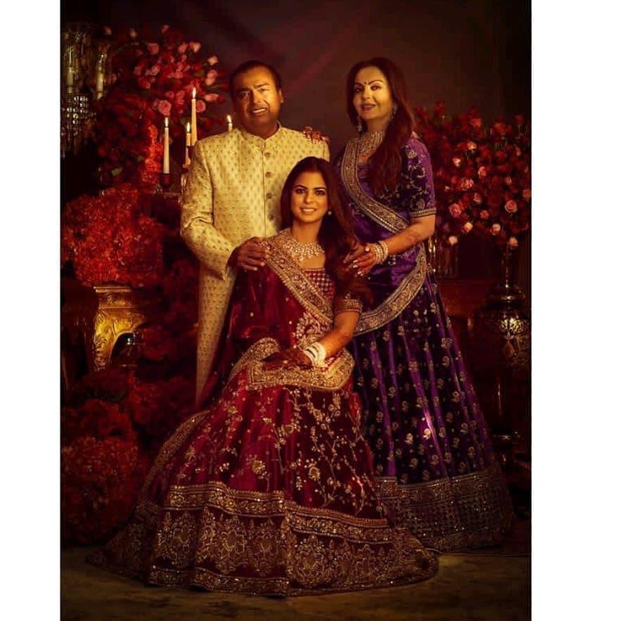 mukesh ambani and nita ambani with daughter