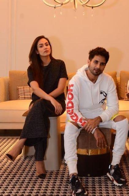 Shahid Kapoor with his wife Mira Rajput