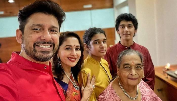 माधुरी दीक्षित के पति डॉक्टर श्रीराम नेने ने शेयर की फैमिली फोटो, एक्ट्रेस की मां भी आईं नजर